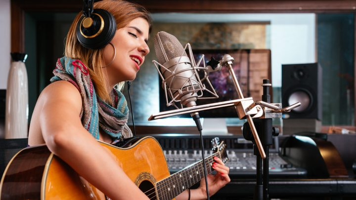 6 things to consider before taking singing classes